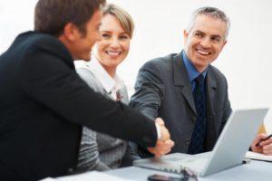 Консультация работников и клиентов организации по вопросам действующего законодательства
