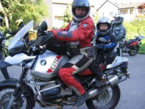 Как перевозить детей на мотоцикле с коляской