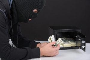 Кража из дома денег документов
