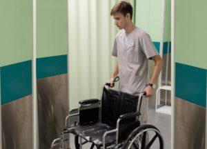 Инвалиду 1 группы положена машина