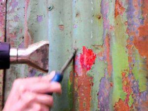 Как снять краску с железа в домашних условиях видео
