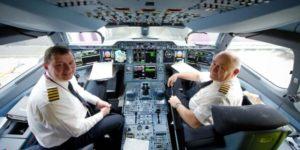 Какая зарплата у пилота пассажирского самолета